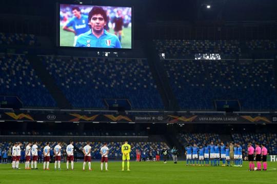 Napoli, tutti in campo con la maglia numero 10
