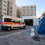 Covid: oggi in Italia 2.407 nuovi casi e 44 morti, il tasso di positività al 2%