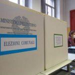 Urne aperte per i ballottaggi, occhi puntati su Roma e Torino