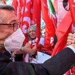 """Manifestazione a Roma, Landini: """"Questa piazza parla a tutto il Paese"""""""