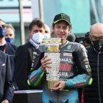 """Valentino Rossi, MotoGp lo celebra: """"Eroe e icona"""""""